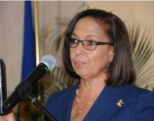 Jamaican labour minister meets with farm workers
